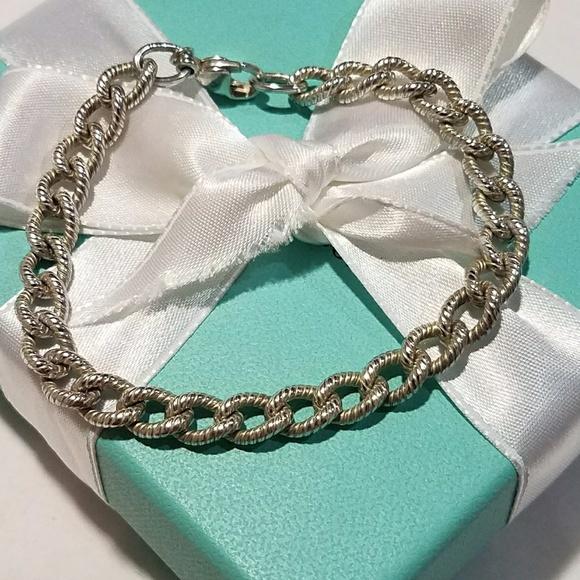 bd53e488ce3a8 Twisted link bracelet